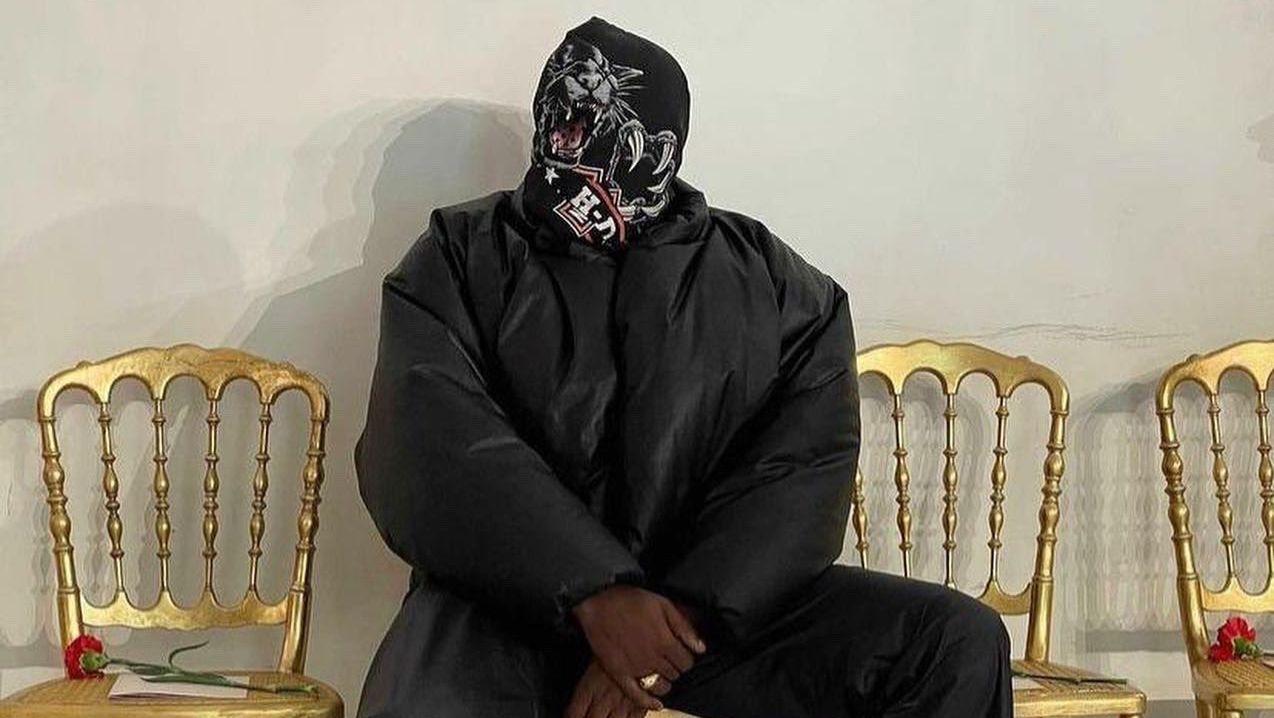 Kanye West gây ồn ào khi để lộ thiết kế mới của YeezyxGap - 1