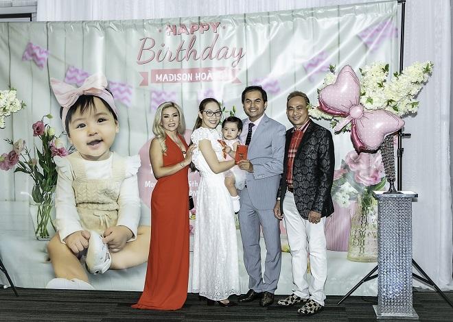 Như Quỳnh, Hà Kiều Anh mừng thôi nôi con gái Đức Tiến và bà xã Hoa hậu - 3