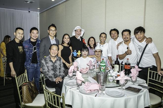 Như Quỳnh, Hà Kiều Anh mừng thôi nôi con gái Đức Tiến và bà xã Hoa hậu - 1