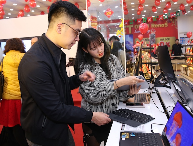 """Thị trường laptop tăng trưởng """"sốc"""" trong nửa đầu năm COVID-19 thứ 2 - 1"""