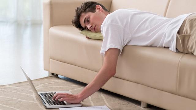 4 thói quen tai hại khiến tai biến mạch máu não ngày càng phổ biến ở người trẻ tuổi - 3