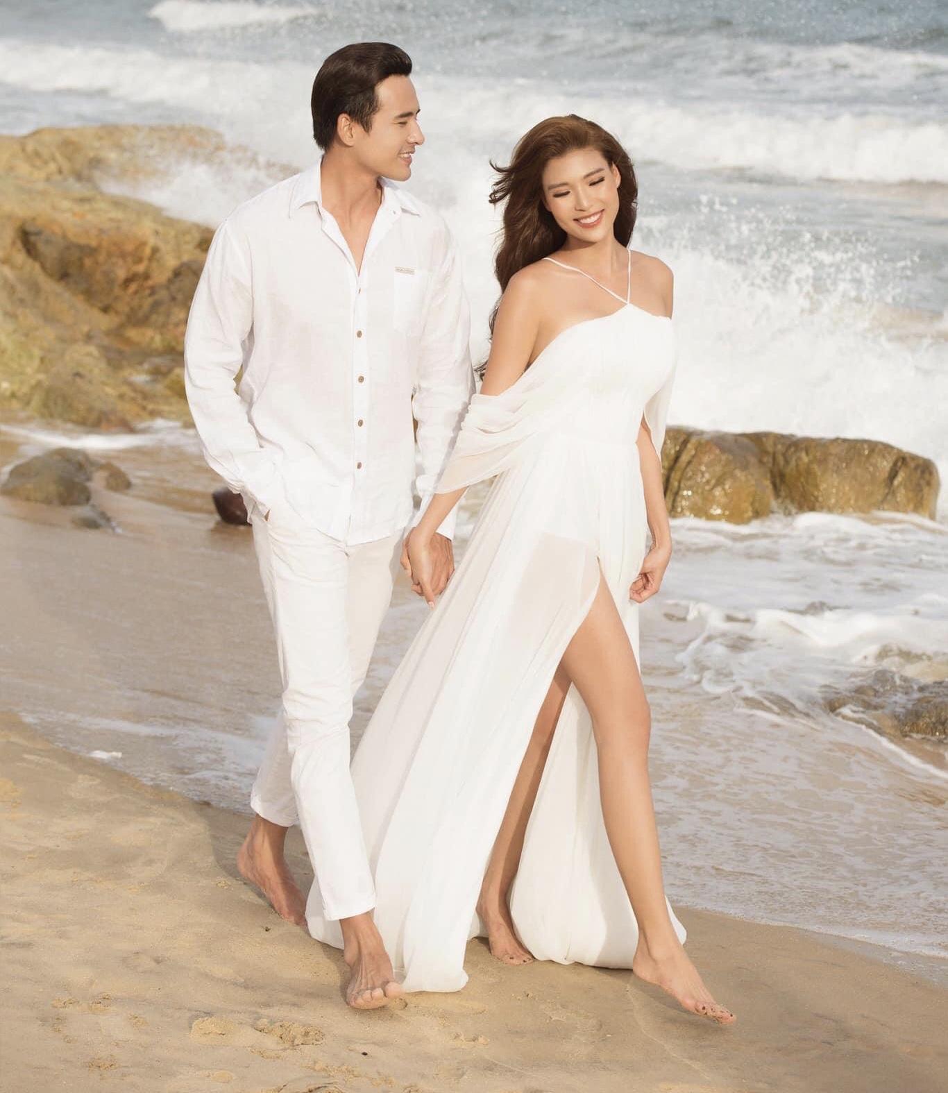 Thúy Diễm khoe dáng nóng bỏng với bikini trên bãi biển - 6