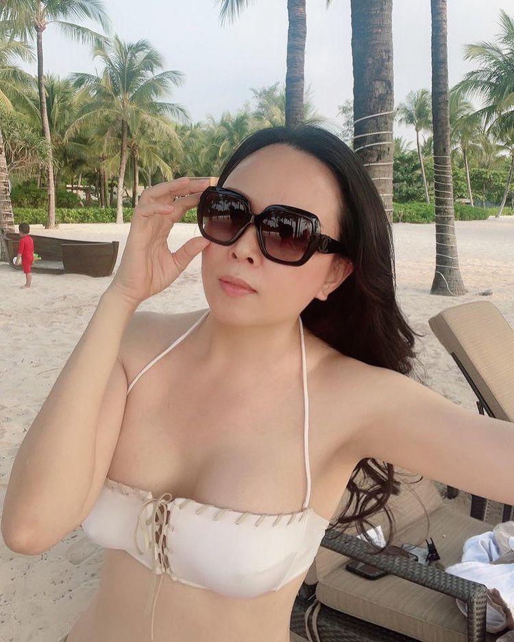 Phượng Chanel mặc bikini chứng minh nóng bỏng hơn sau khi chia tay Quách Ngọc Ngoan - 3