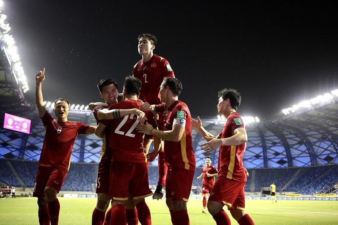 ĐT Trung Quốc giành 4 điểm trước Việt Nam, giật vé World Cup: Mơ giữa mùa hè? - 1