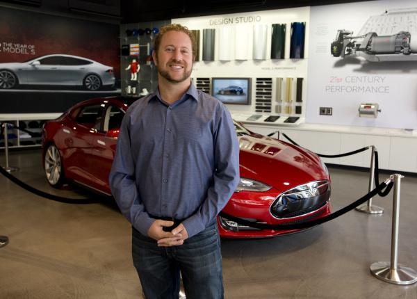Lộ diện giám đốc đầu tiên của VinFast tại Mỹ: 10 năm kinh nghiệm quản lý tại Tesla - 1