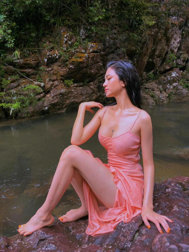 """Ảnh thời trang """"tiên nữ tắm suối"""" của mỹ nữ Quảng Ninh - 5"""