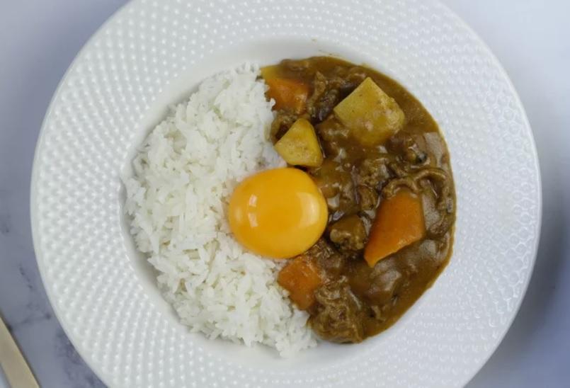 Công thức nấu cà ri bò kiểu Nhật Bản, khác hoàn toàn cà ri Ấn Độ nhờ loại quả này - 7