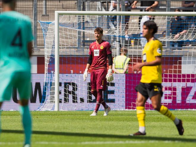 """Video Bayern Munich, Dortmund rủ nhau thua sốc trước hai đội """"tí hon"""" - 1"""