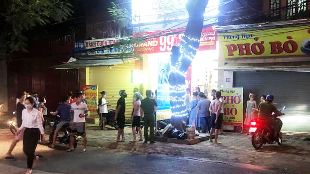 Án mạng tại shop quần áo ở Hưng Yên: Người mẹ bị đâm chết trước mặt con trai - 3
