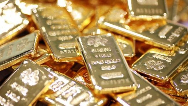 """Giá vàng hôm nay 21/7:Cắm đầu giảm ngay sau khi """"lên đỉnh"""" - 1"""