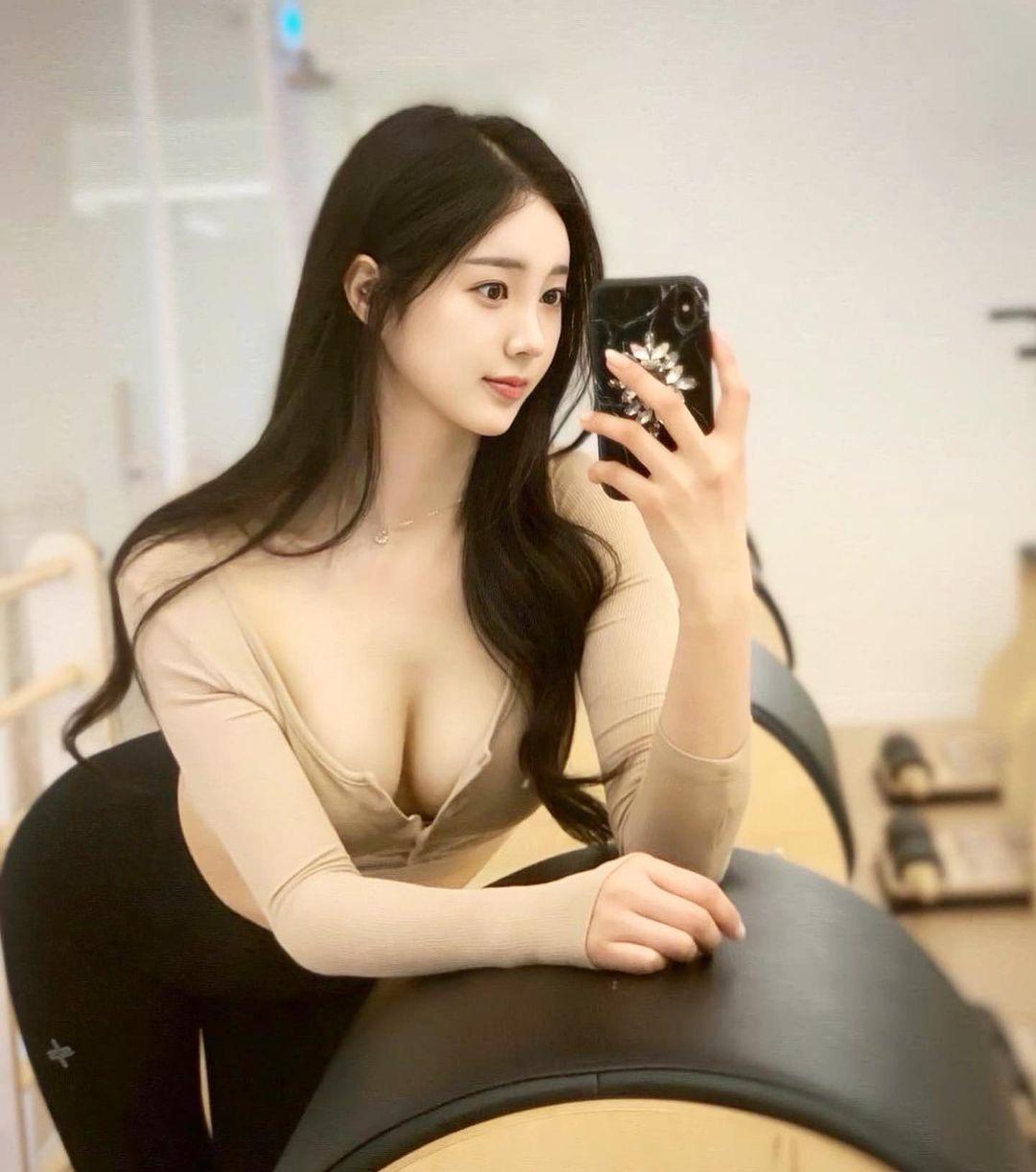 Nguyên tắc thời trang giúp thiếu nữ xứ Hàn khéo hút ánh nhìn nơi công cộng - 9