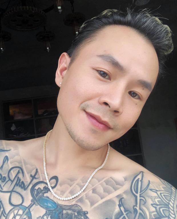 """""""Rapper giàu nhất Việt Nam"""" gây sốc vì gương mặt béo ú na ú nần khó nhận ra - 1"""
