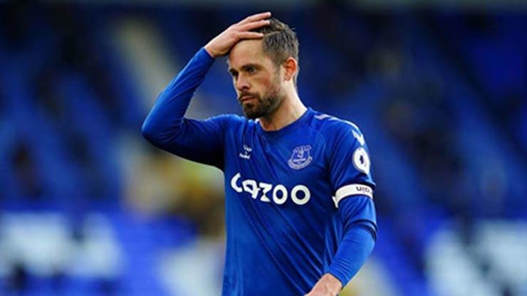 SAO Everton bị tố nhầm vụ xâm hại trẻ em, vô tình lộ diện nghi can số 1 - 3