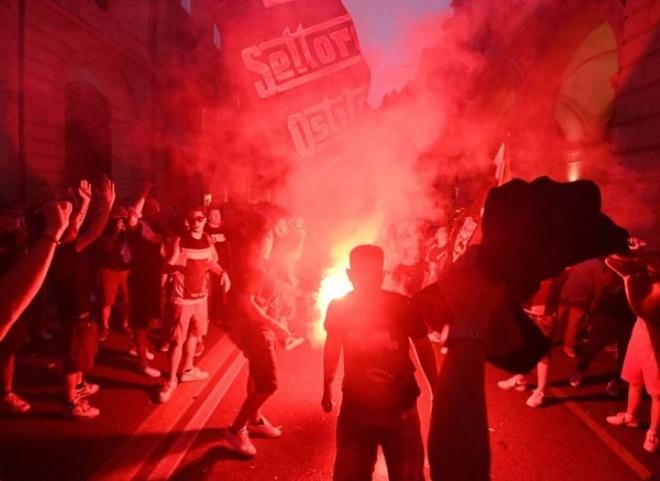 """Đội bóng Italia gây sốc, đón """"Ibrahimovic nước Áo"""" ăn mừng như vô địch Cúp C1 - 6"""