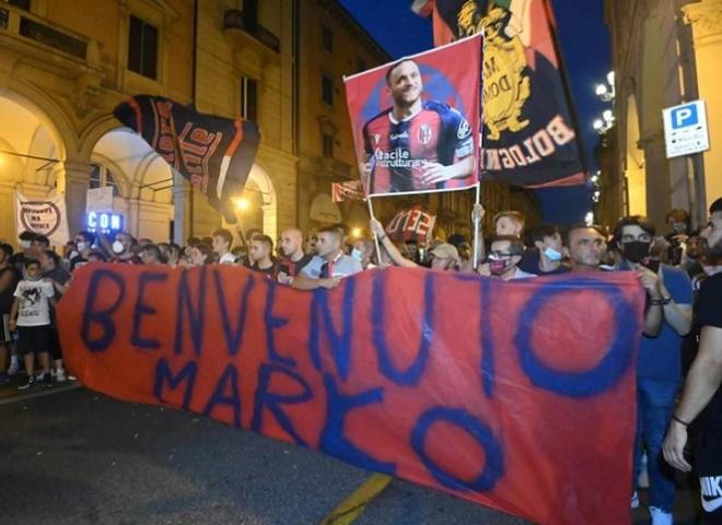 """Đội bóng Italia gây sốc, đón """"Ibrahimovic nước Áo"""" ăn mừng như vô địch Cúp C1 - 5"""