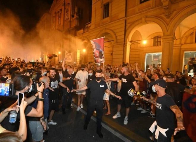 """Đội bóng Italia gây sốc, đón """"Ibrahimovic nước Áo"""" ăn mừng như vô địch Cúp C1 - 3"""