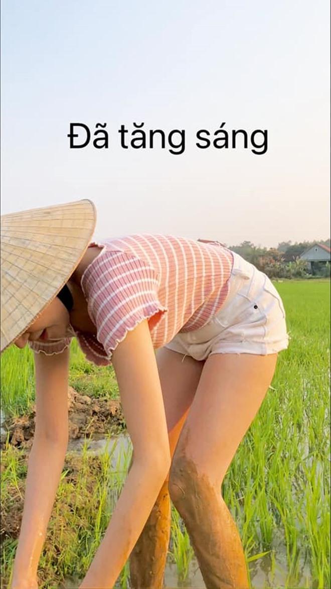 Mặc quần bó chẽn, Huyền Anh, á hậu quê Hà Tĩnh gặp sự cố dở khóc dở cười - 4
