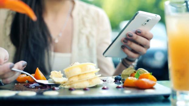 Từ bỏ ngay hôm nay những thói quen ăn uống sai lầm khiến cơ thể mệt mỏi - 9