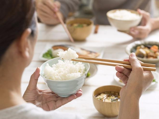 Từ bỏ ngay hôm nay những thói quen ăn uống sai lầm khiến cơ thể mệt mỏi - 13