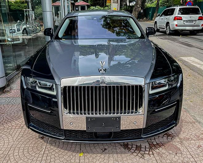 Rolls-Royce Ghost thế hệ mới đầu tiên có mặt tại Việt Nam, giá hơn 40 tỷ đồng - 1