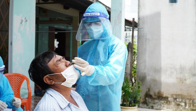 Bác sĩ Trương Hữu Khanh: Cách ly tại nhà, coi chừng những nguồn lây không ngờ! - 1