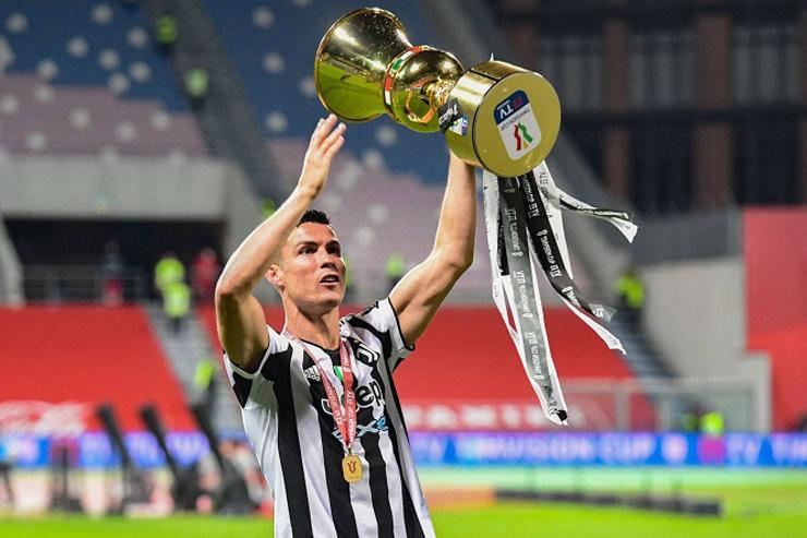 Tin mới nhất bóng đá trưa 5/8: Ronaldo lần đầu tiên nhận giải Paolo Rossi - 1