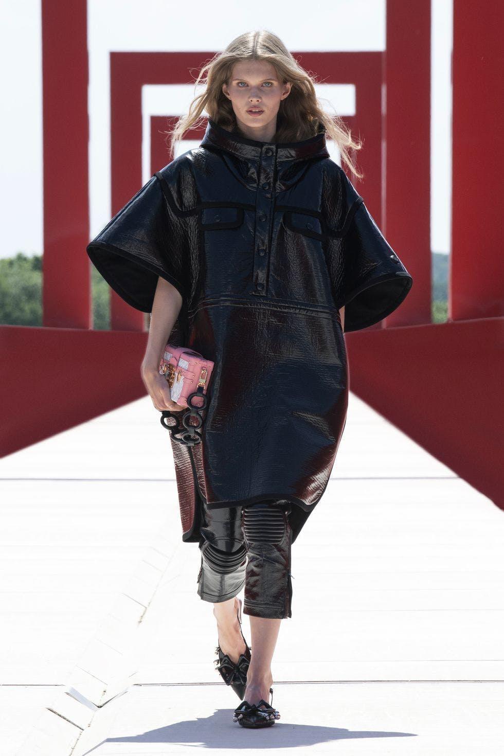 Louis Vuitton, bậc thầy thiết kế vali hành lý và monogram - 6
