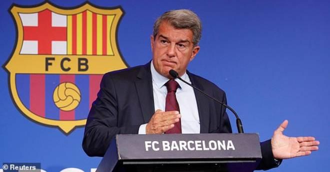 Họp báo vụ Messi rời Barcelona: Chủ tịch Laporta tri ân M10, tuyên bố CLB là trên hết - 3