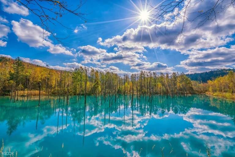 Ngỡ ngàng trước vẻ đẹp của hồ nước có màu xanh sapphire tại Nhật Bản - 5