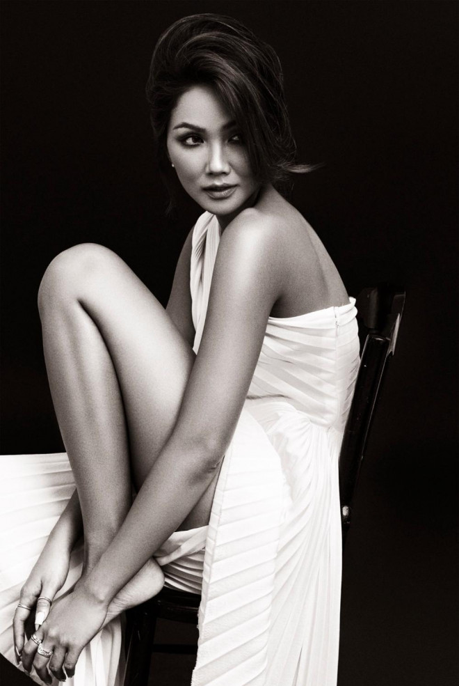 Hoa hậu H'Hen Niê được khen đẹp như nữ thần trong bộ ảnh với gam màu cơ bản đen và trắng - 1