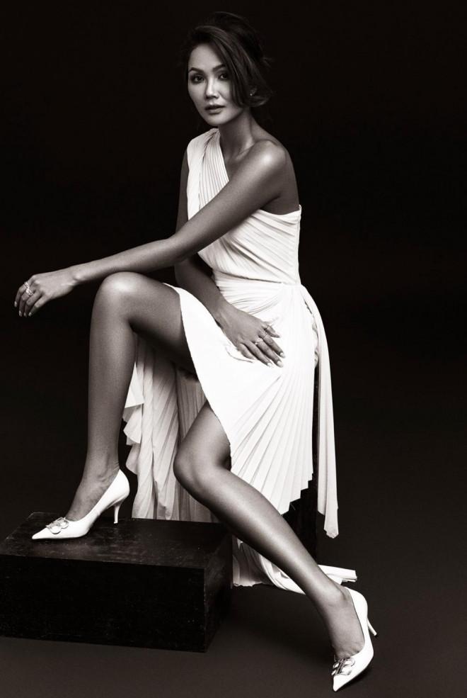 Hoa hậu H'Hen Niê được khen đẹp như nữ thần trong bộ ảnh với gam màu cơ bản đen và trắng - 4