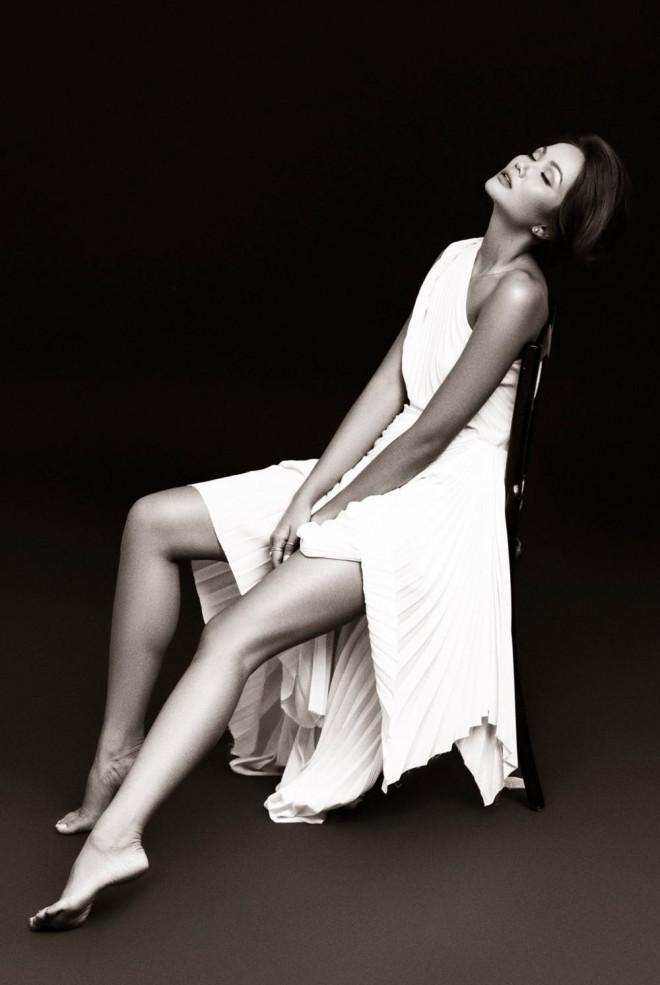 Hoa hậu H'Hen Niê được khen đẹp như nữ thần trong bộ ảnh với gam màu cơ bản đen và trắng - 5