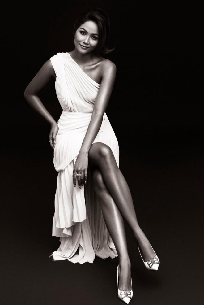 Hoa hậu H'Hen Niê được khen đẹp như nữ thần trong bộ ảnh với gam màu cơ bản đen và trắng - 6