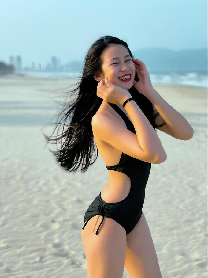 """Ái nữ nhà sao Việt """"trổ giò"""" xinh như Hoa hậu, chiều cao ấn tượng ở tuổi dậy thì - 10"""