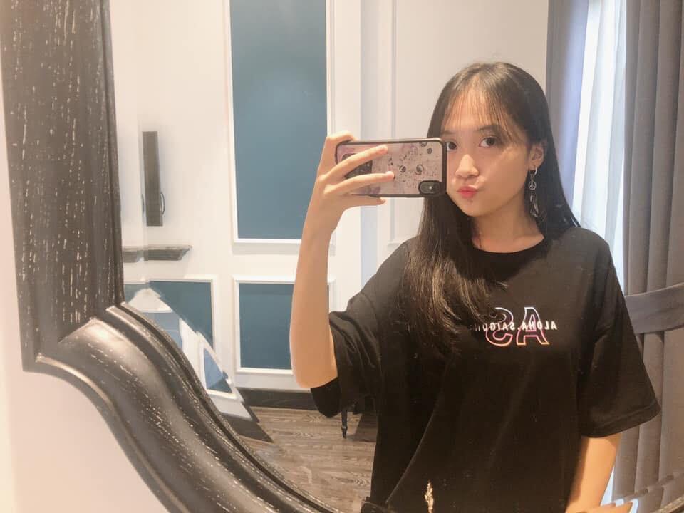 """Ái nữ nhà sao Việt """"trổ giò"""" xinh như Hoa hậu, chiều cao ấn tượng ở tuổi dậy thì - 13"""