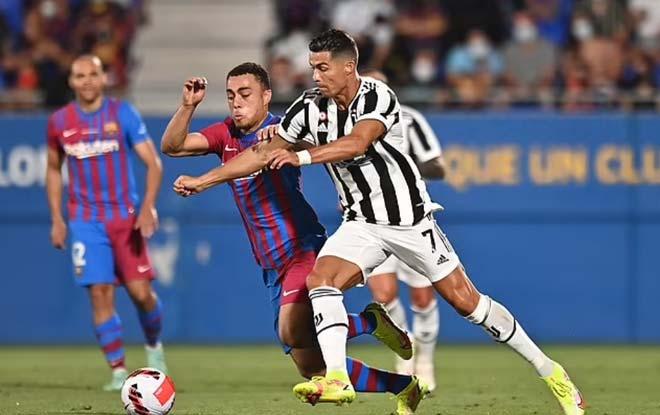 HLV Juventus nói gì về màn trình diễn của Ronaldo, xin lỗi vì thua Barcelona? - 1