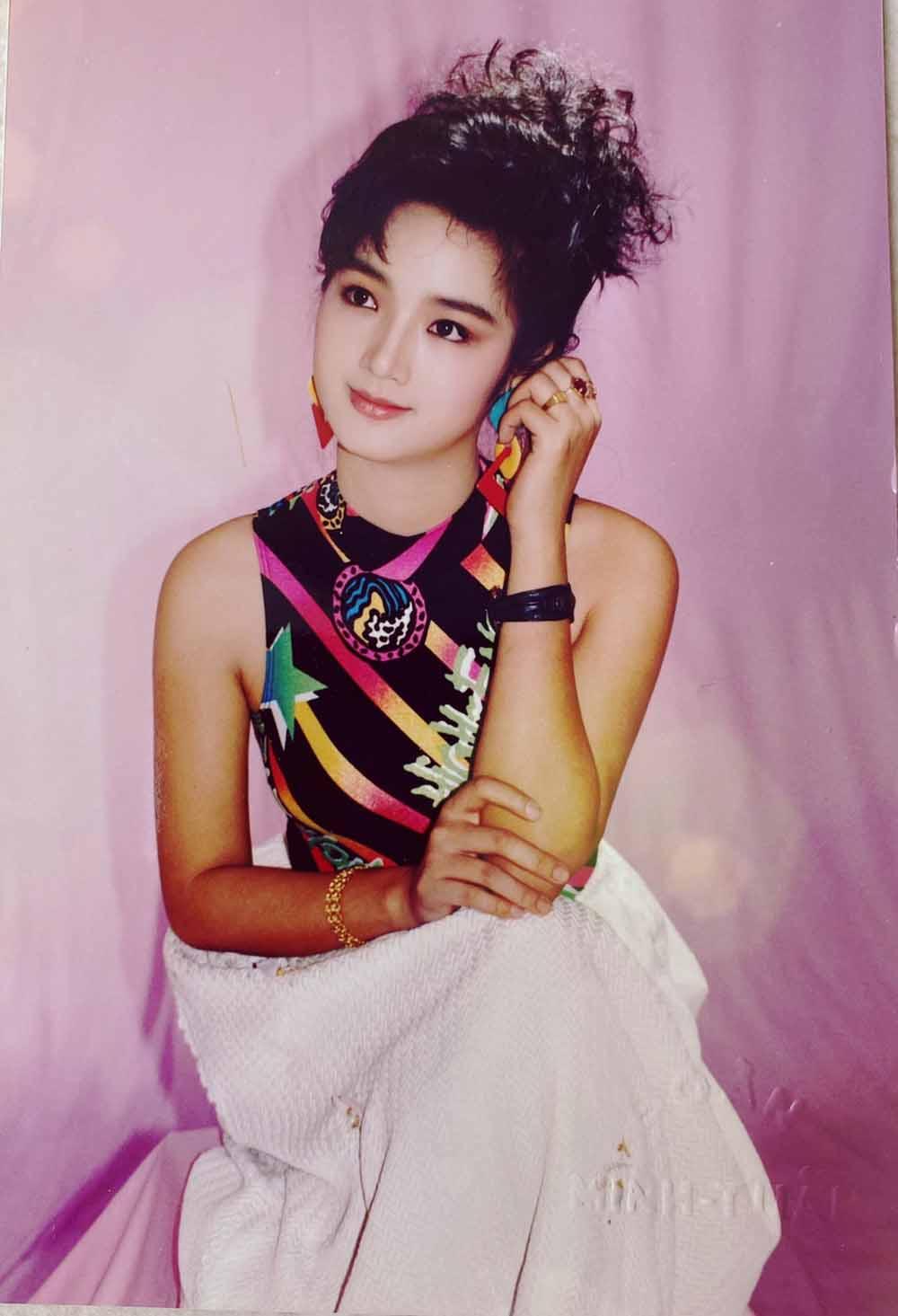 """Vẻ đẹp nghiêng thành thời trẻ khiến nhiều tỷ phú """"ngã gục"""" của hoa hậu Đền Hùng - 4"""