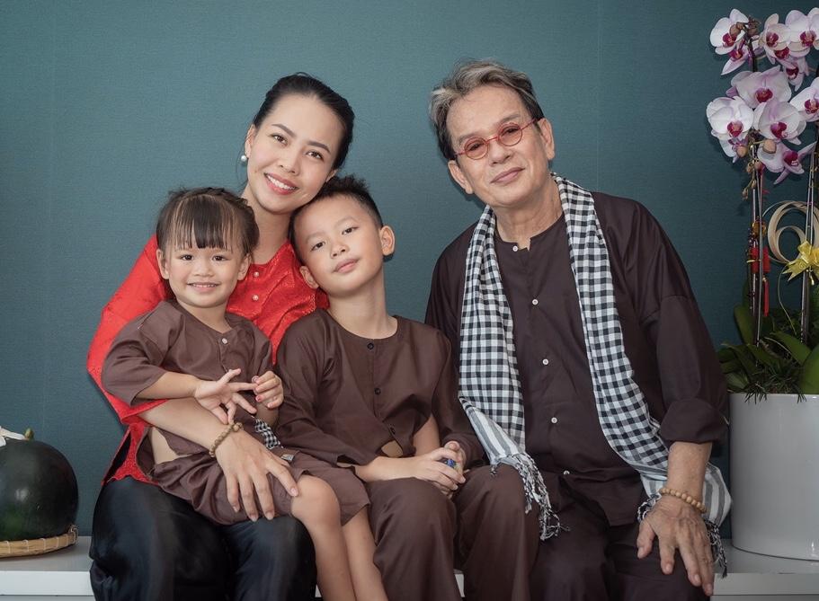 Sao Việt lấy vợ là fan của mình: Lam Trường cưới cô bé từng bế trên tay - 8