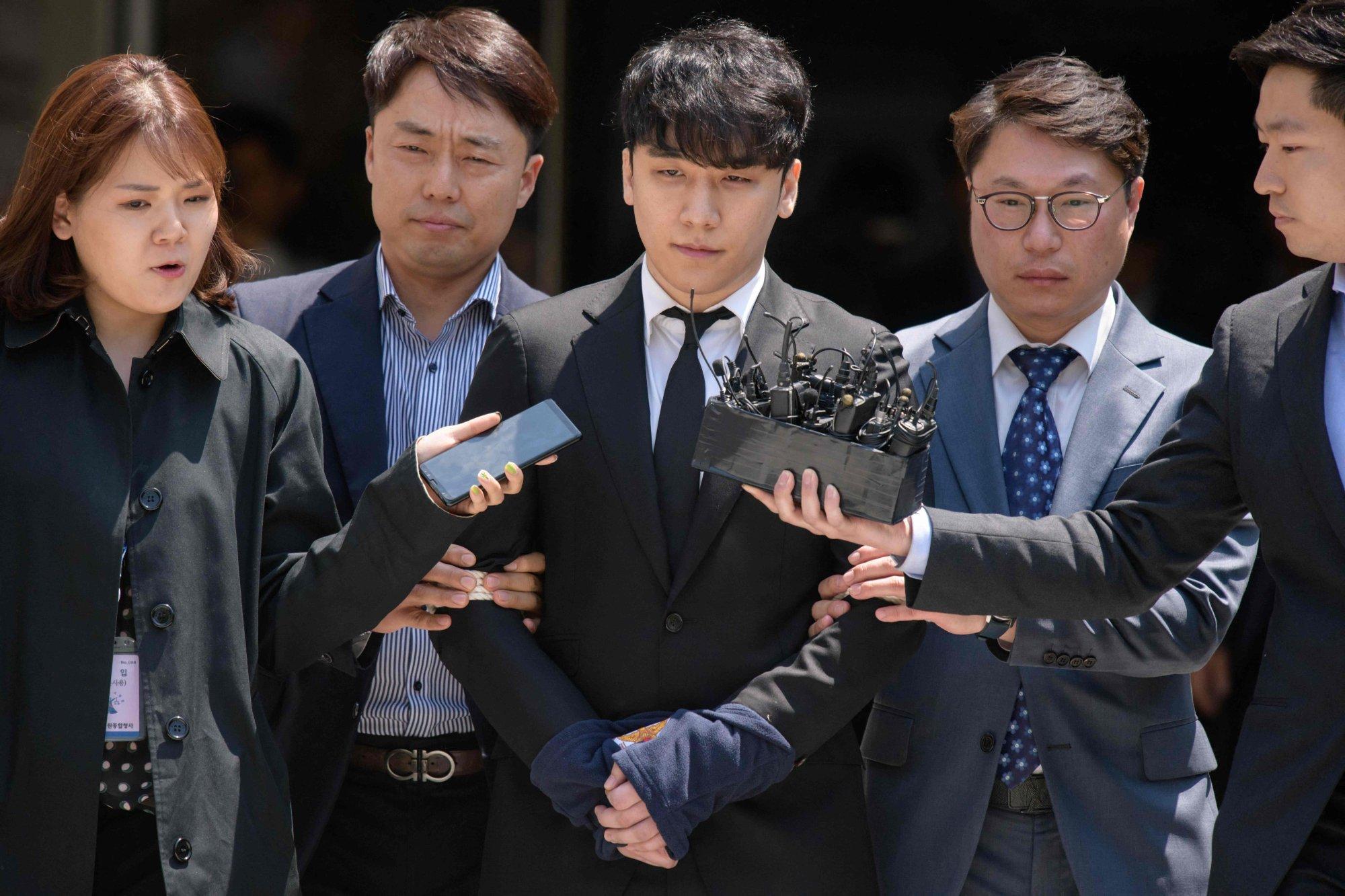 Em út nhóm Big Bang bị kết án 3 năm tù vì môi giới mại dâm, đánh bạc - 3