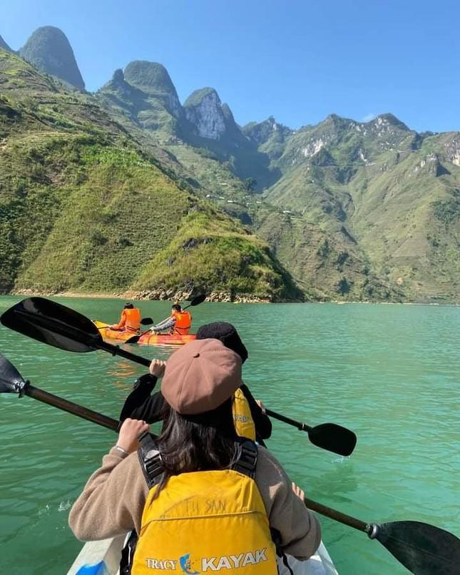 Đến Hà Giang ngắm sông Nho Quế: Cảnh đẹp như vừa đi lạc vào một thước phim điện ảnh - 5