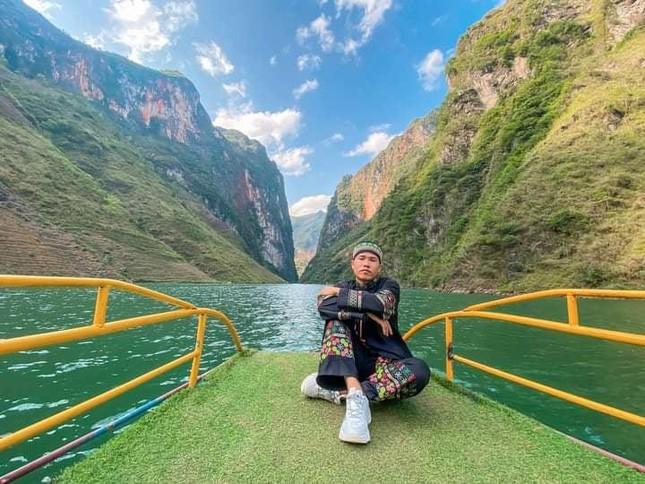 Đến Hà Giang ngắm sông Nho Quế: Cảnh đẹp như vừa đi lạc vào một thước phim điện ảnh - 7