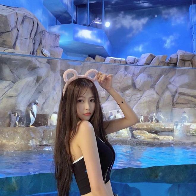 Vẻ mơn mởn của thí sinh Hoa hậu 17 tuổi vướng nghi vấn hẹn hò Châu Tinh Trì - 17