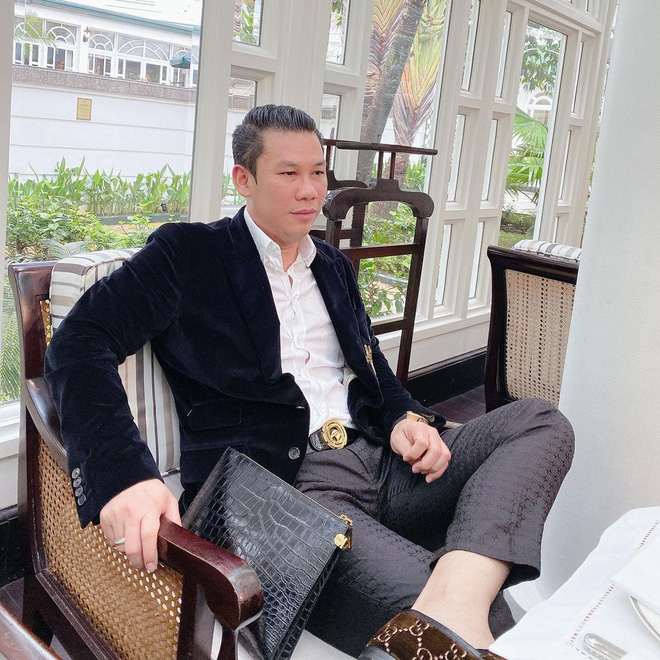 """Tình trẻ kém 27 tuổi nói gì khi bị ông chủ phòng trà """"giàu nhất Sài thành"""" hủy theo dõi? - 6"""