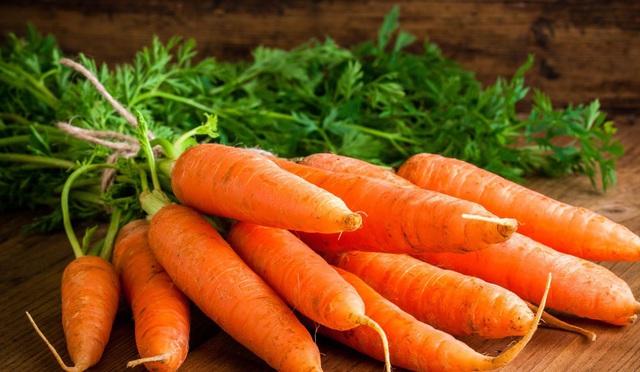 """3 thực phẩm """"đại kỵ"""" với cà rốt, đừng dại nấu chung - 1"""