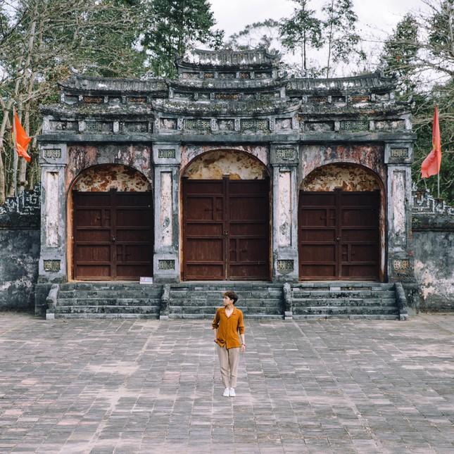 """Lăng Minh Mạng: """"Lạc trôi"""" vào không gian của những đền đài uy nghi mang nét đẹp thời gian - 4"""