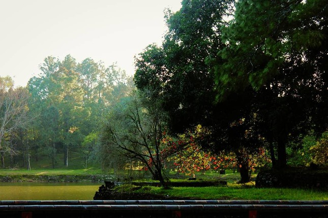 """Lăng Minh Mạng: """"Lạc trôi"""" vào không gian của những đền đài uy nghi mang nét đẹp thời gian - 7"""
