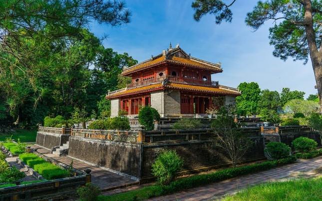 """Lăng Minh Mạng: """"Lạc trôi"""" vào không gian của những đền đài uy nghi mang nét đẹp thời gian - 6"""