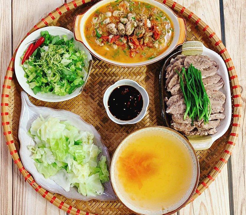 Bộ Y tế: Chế độ ăn cho người mắc COVID-19 giảm diễn biến nặng, nhanh hồi phục - 1
