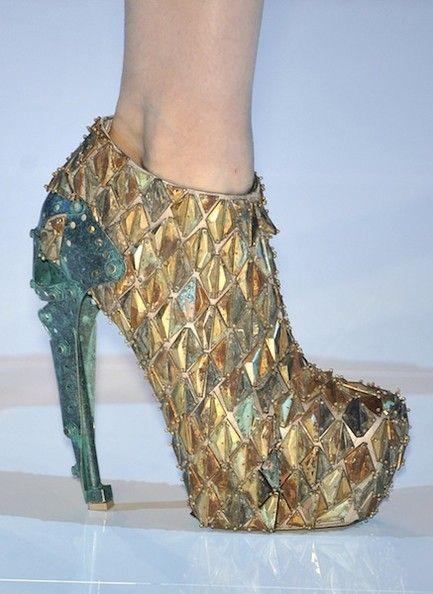 Giày platform thập niên 70 trở lại xu hướng chính - 4