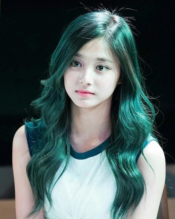 Top 12 màu tóc xám xanh đẹp trẻ trung ấn tượng và vô cùng nổi bật - 2